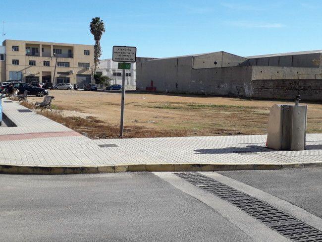 La Mancomunidad del Barrio del Cristo aprueba construir un parque con pipi can de 1.600 metros cuadrados